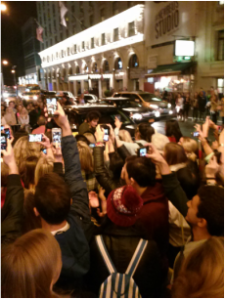 Hundreds of people wait outside Richard Rodgers Theatre to get a picture of Orlando Bloom