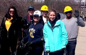 Quinnipiac 2016 Volunteers at Farmington Canal Clean-Up