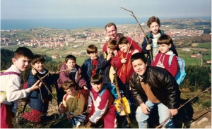 Hiking in Bilbao with 4th graders in 1996