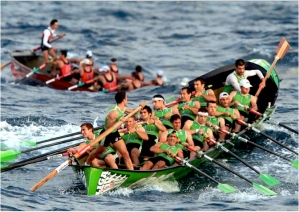 Traineras--not my crew, but similar conditions